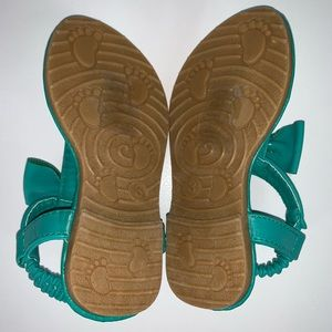 Shoes - Teal sandals with beads size 3